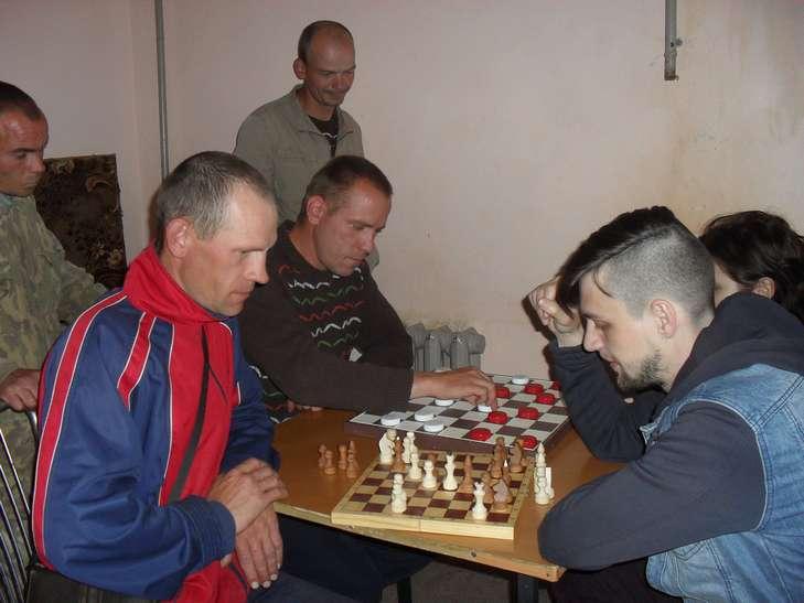 Играем в шашки и шахматы