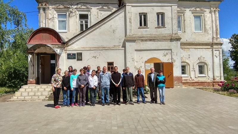 Возле краеведческого музея